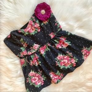 Urban Outfitters Pins and Needles Floral Crop Top